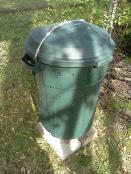 Ta-daa - a trash can composter.